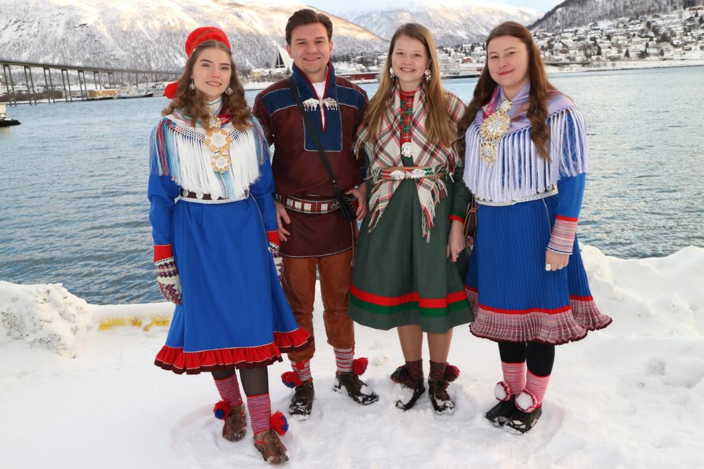 Logaldallan sámi kultuvrra ja historjjá birra, ja sámiid otná eallima birra